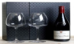 Bottle of Wine and Glass set