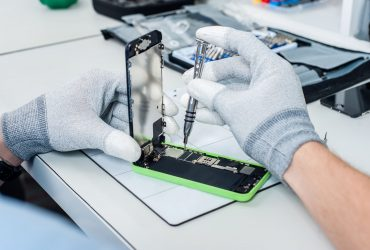iPhone repair companies in Shoreline WA