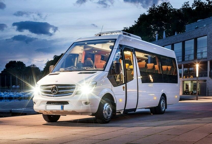 What Are The Benefits You Can Reap From Hiring Mini Bus Service?