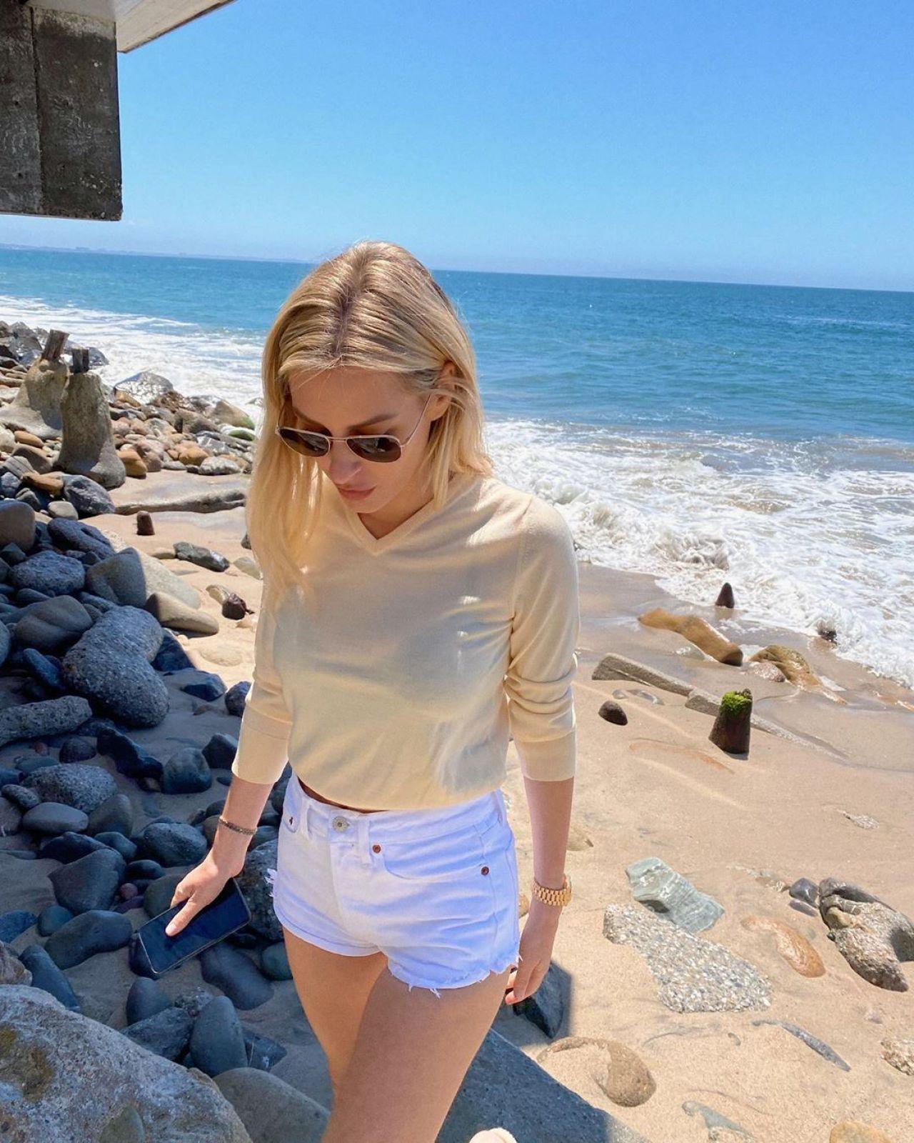 Morgan Stewart Instagram and Socials details