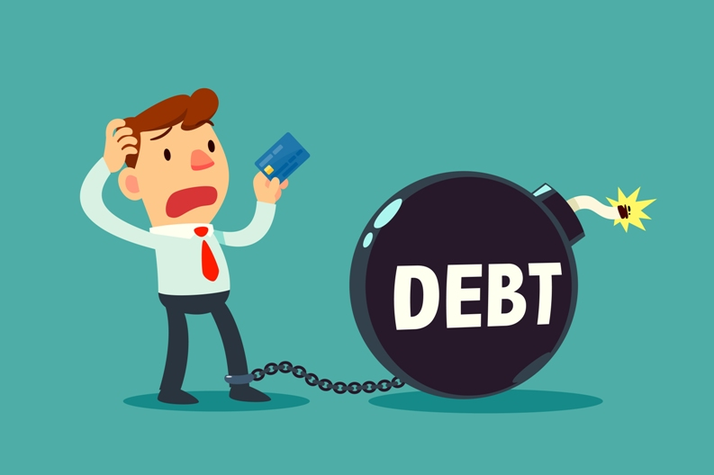 An outlook on macroeconomic effects of credit card debt