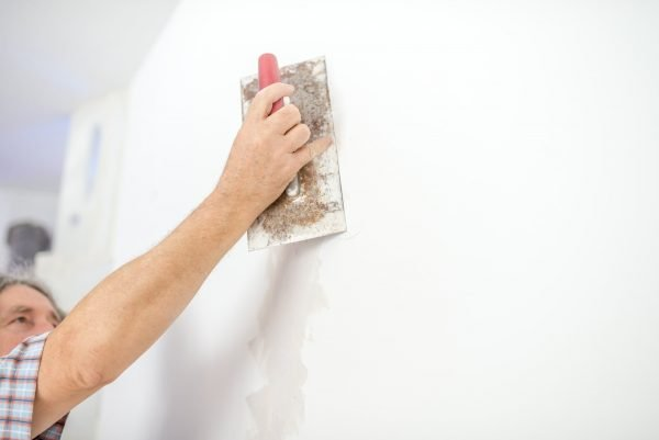 How To Plaster A Wall: Beginner's Guide